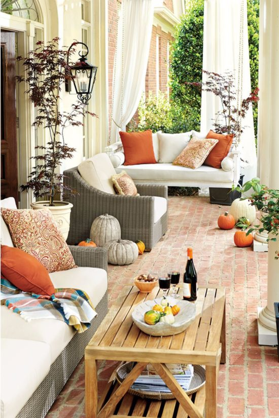 fall-porch-cozy-chic